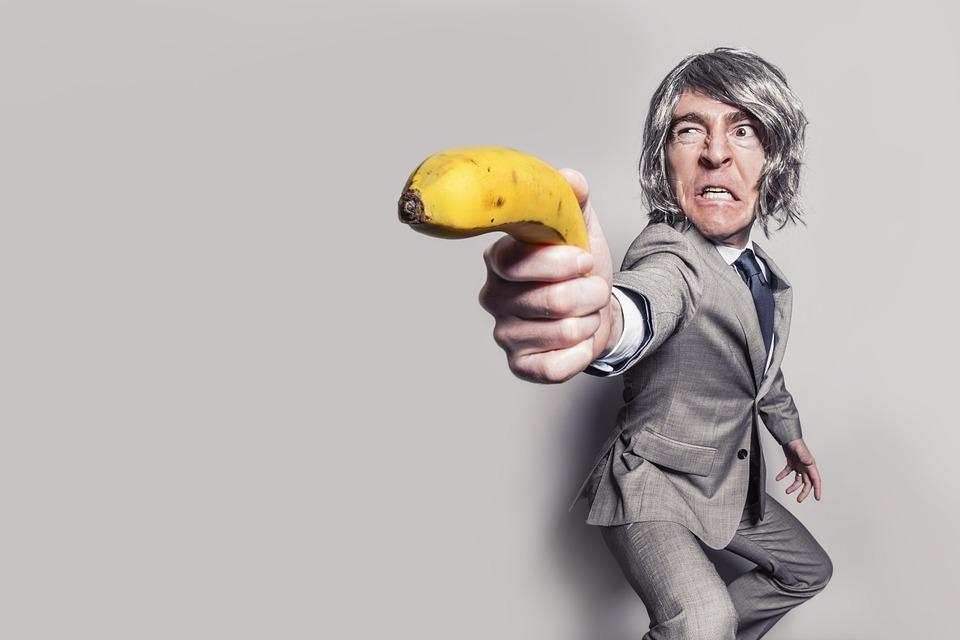 他從好友家拐走香蕉當人質!直接上演「史上最狂綁匪劇情」網笑瘋:後勁太強