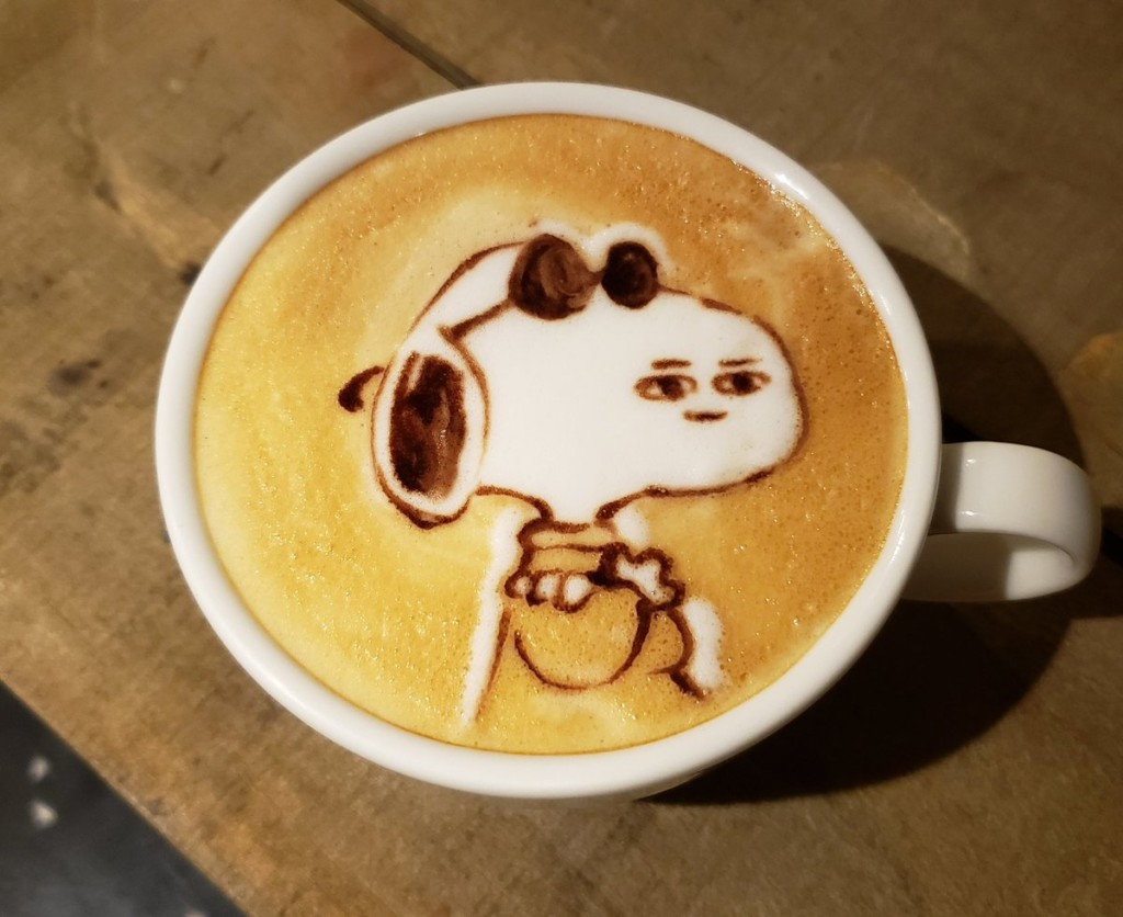 他把13個動漫角色做成「眼睛脫窗版本」咖啡拉花 網笑爛:害我忘記原本的樣子!