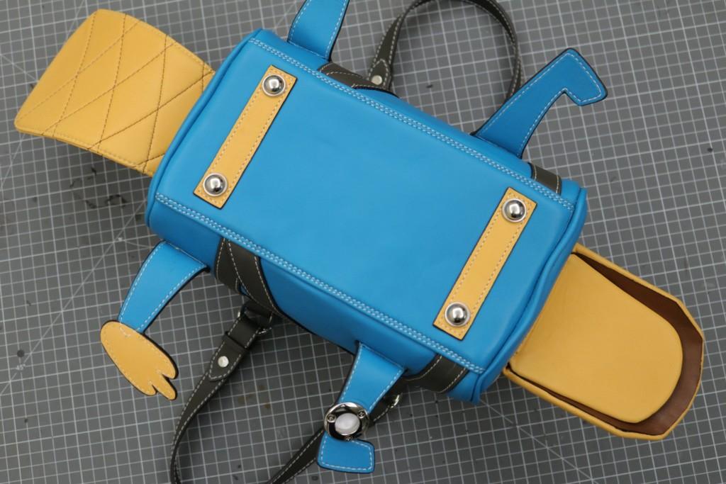 台灣手工神人把「泰瑞→立體包」爆紅 設計師「本尊照」曝光網嘆:他會紅!