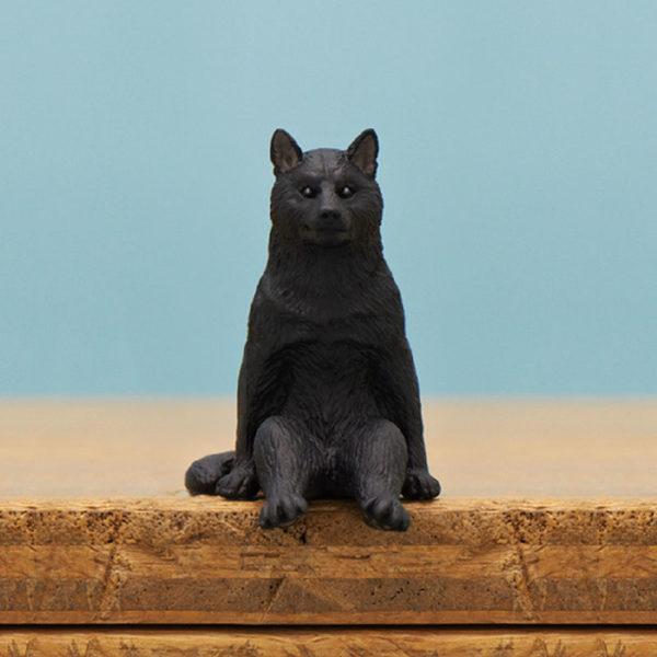 日本推出人氣柴犬「坐下柴」系列 扭整組「乖乖坐一排」側面模樣超療癒!