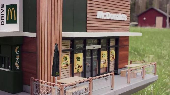 全世界「最小間麥當勞」開幕!網看店內「超迷你客人」笑噴:薯條一定是甜的