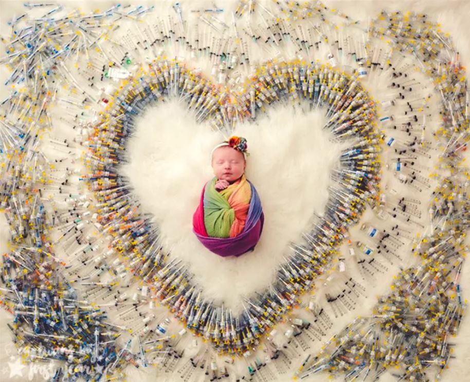 夫妻分享「寶寶被1616支針筒包圍」震撼照片 揭示「背後心酸真相」讓網爆淚:媽媽辛苦了!