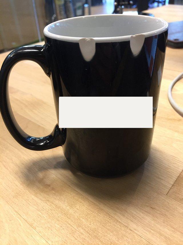 38個「左撇子才懂」的究極心酸事件 連喝水都會被杯子欺負!