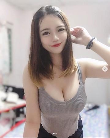超正「口罩護理師」IG曝光 網見「澎湃南半球」超害羞:不穿制服更厲害!