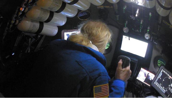 探險隊潛「世界最深海溝」發現詭異物品!科學家一看直言:是海洋面臨的最大怪物