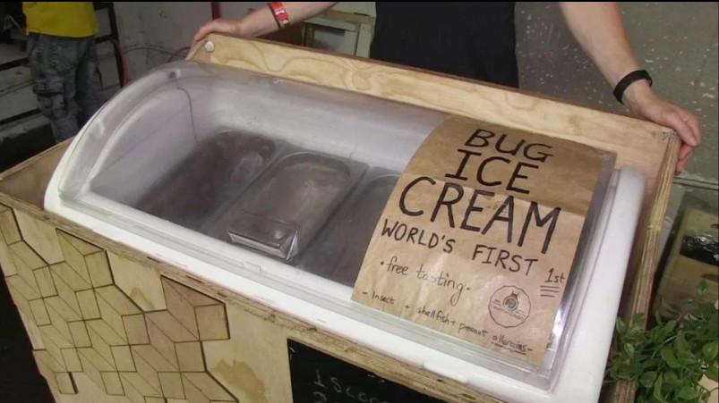 奇葩商人推「蛆蟲冰淇淋」標榜極高蛋白質 巧克力、花生口味「騙過舌頭」民眾盲測:超好吃!