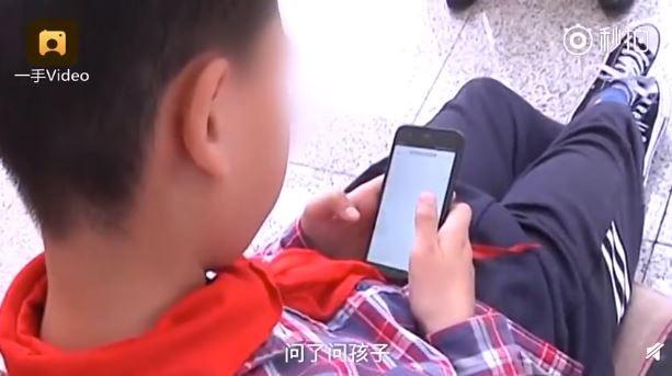 10歲男童偷「打賞23萬」給直播主 媽媽收到帳單淚崩:那是你爸的喪葬費!