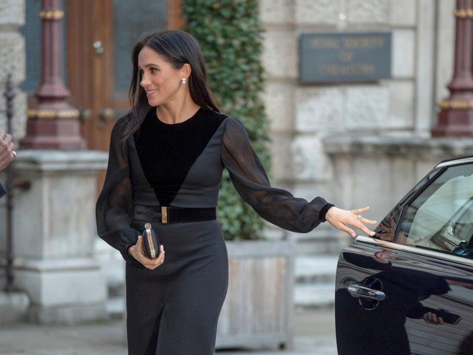 比凱特更勇敢!11個證明「梅根是真正平民王妃」的圈粉瞬間 她有著「違反規定」也要堅持的事