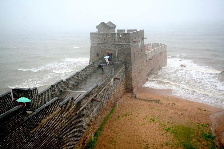 20張揭露「世界原來藏有很多秘密」的驚人照片 中國士兵「維持姿勢的方法」超恐怖!