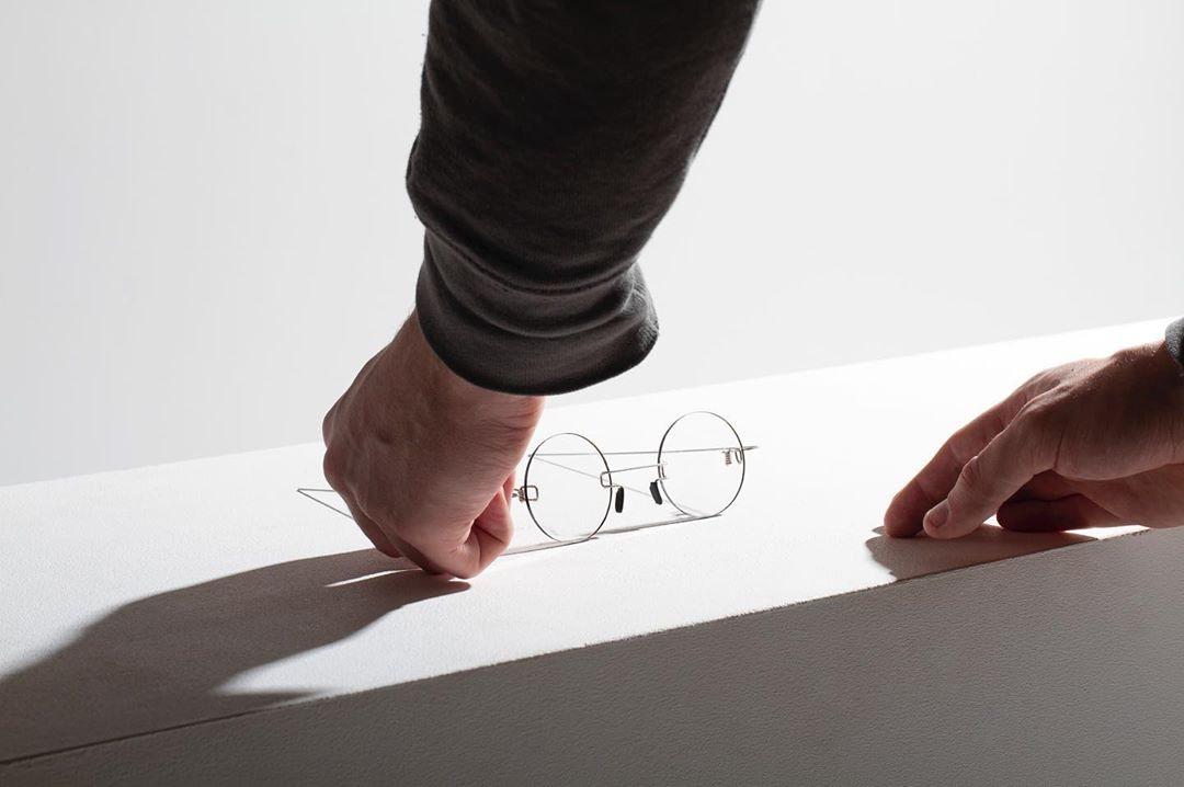 成本只要30元!工作室成功「把電線變成眼鏡」質感還超好 背後原因太暖心