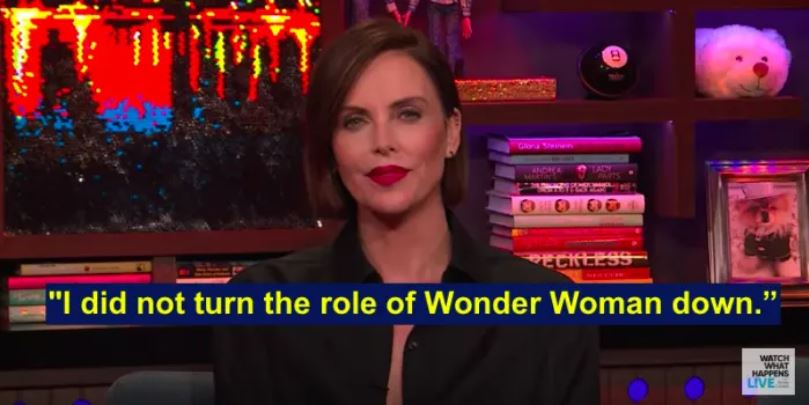 莎莉賽隆被爆「拒絕《神力女超人》邀約」演出 她「超誠實自婊」網笑翻:好萊塢很殘忍!