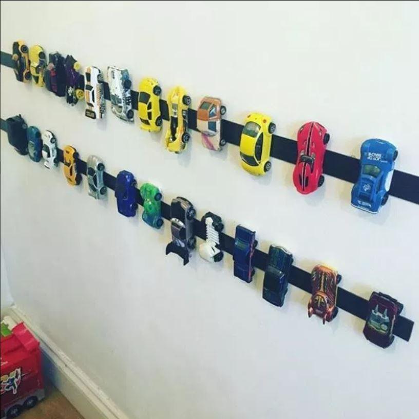 天才媽發明「小玩具車收納」防踩到陷阱 男生都愛的「神設計」讓兒子主動收玩具!