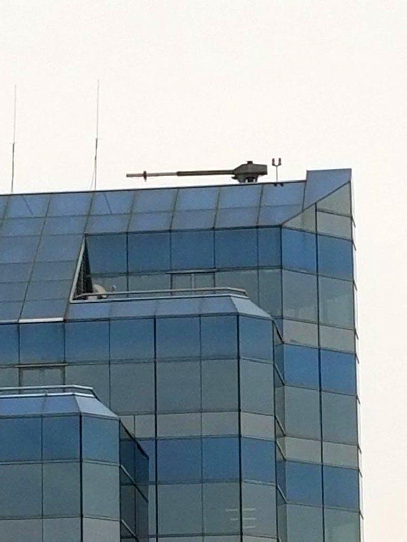 15張讓你懷疑「自己在不同星球」的超詭異照片 把「大炮直接裝在樓頂上」其實別有用處!
