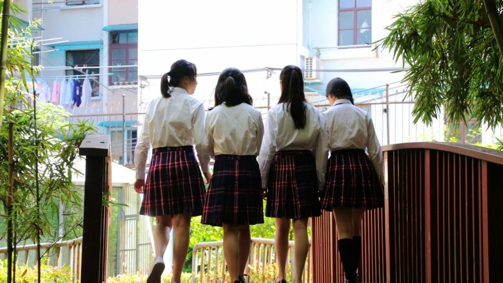 16歲男生讓4名女同學「同時懷孕」震驚教育界!網友不解:他有那麼帥?