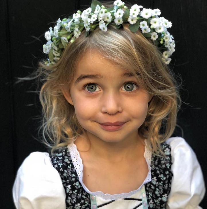 15位「比爸媽更有魅力」的巨星小孩 夏奇拉兒子「神級媚眼」電翻粉絲❤