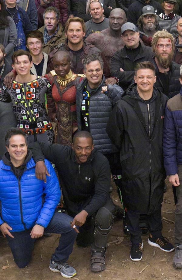 《復仇者4》官方曝光「全體大合照」 網發現「缺一人」放大看嚇壞:美隊你怎麽了?
