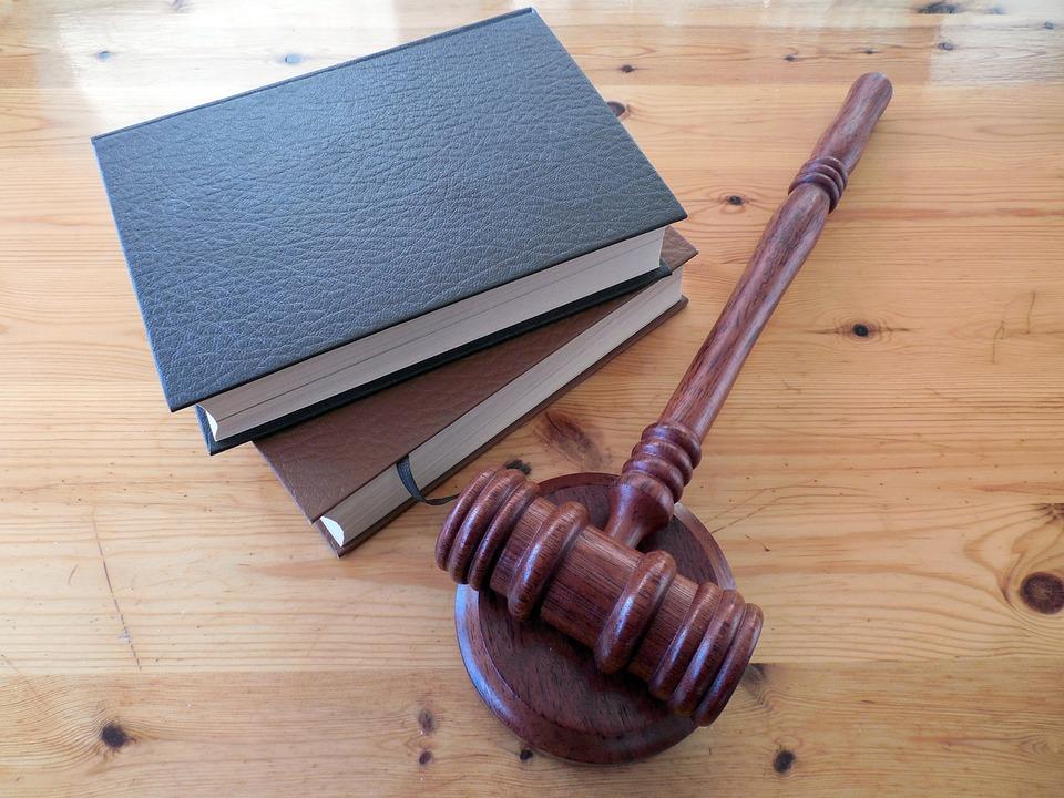 法界認為應推「公然侮辱除罪化」 檢直言「罵一句就告」根本浪費資源:提告也該付錢!