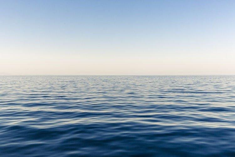 最荒謬禮物!霸氣男砸300萬買下「一片海」送女友 律師:法律上是合法的