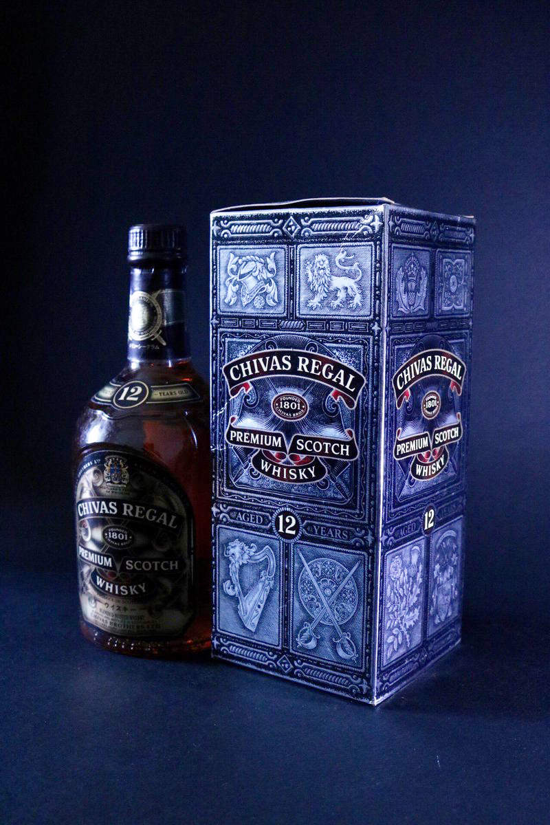 日本空箱達人把「威士忌盒」變成「黑暗騎士」 超精緻細節網驚呼:好像會動!