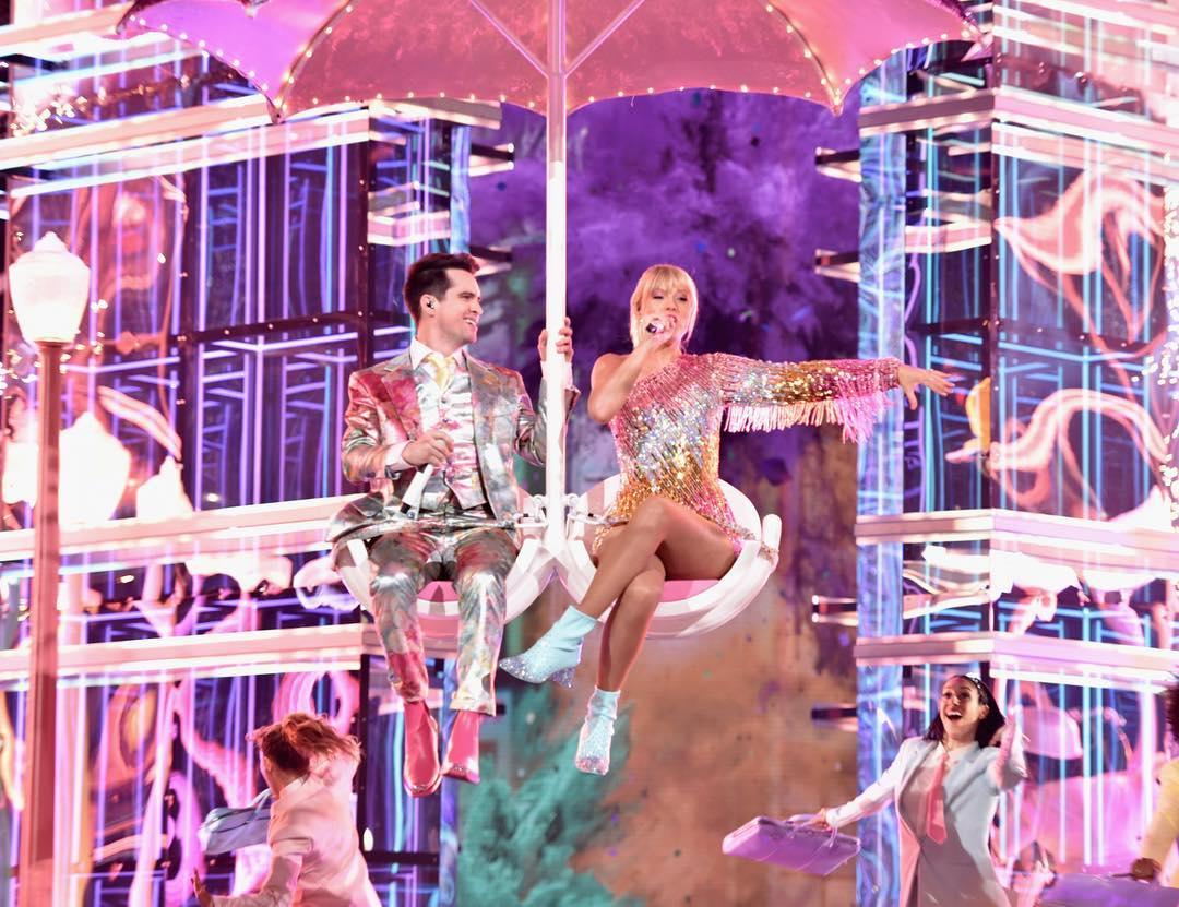 泰勒絲拍MV被「超萌浪貓」當場收服 超霸氣「直接帶回家」粉絲羨:好想當貓!