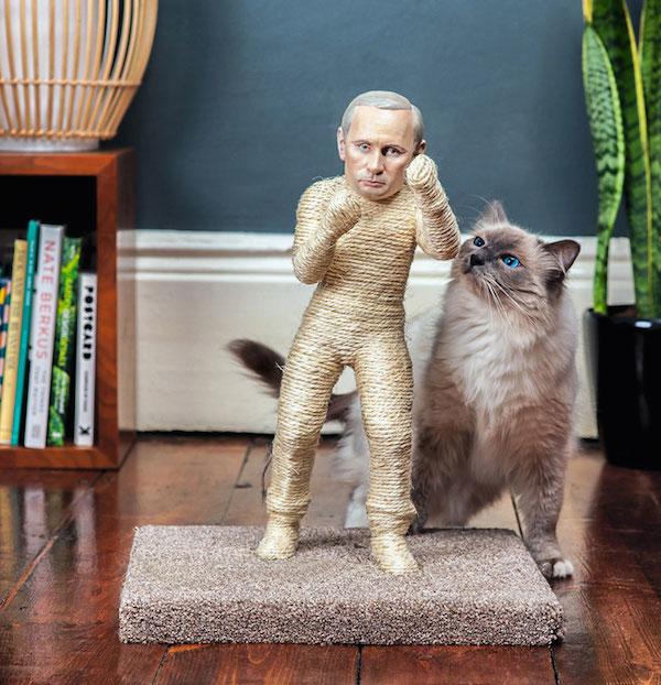 網購推「靠貓皇打倒獨裁」專屬貓抓板爆紅 選中「2位狂人」的背後原因超大膽!