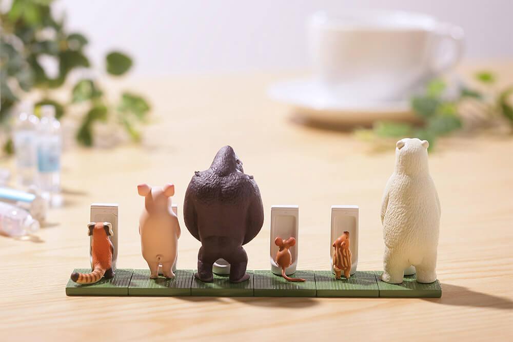 「動物如廁時光」推新扭蛋!河馬、貓熊全在公廁集合 企鵝寶寶「硬當跟屁蟲」超可愛
