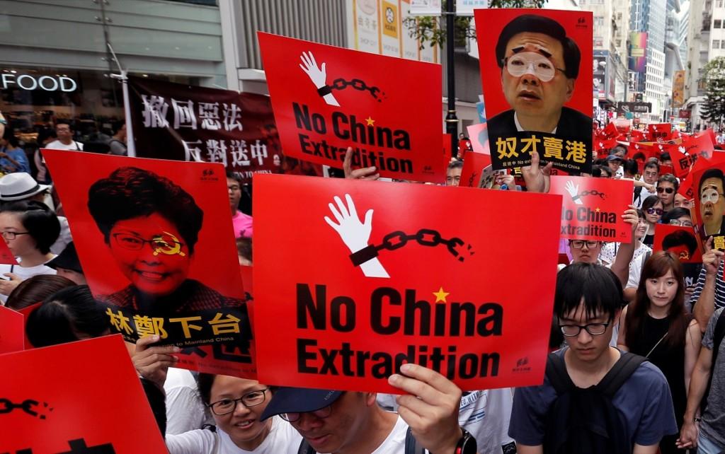 深夜網站「響應反送中」宣布關站 超中肯「一句話」網友讚爆:一起守護香港!