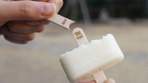 韓國設計出「中間可折半」的冰棒棍 吃到一半「被深喉嚨」慘劇再也不發生!