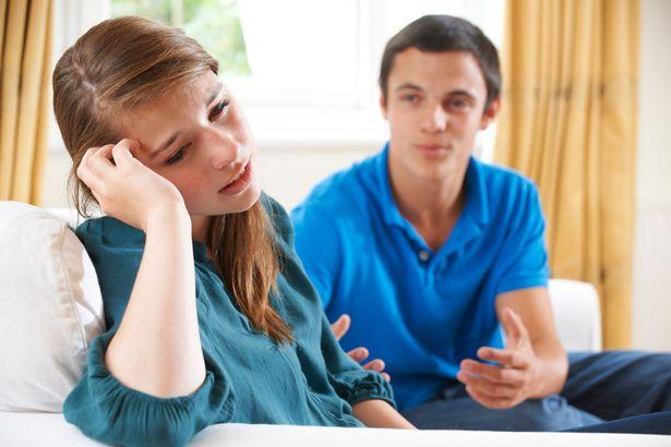 他拜訪19歲女友家 一看到「未來岳母」卻全身發涼…只好趕快分手逃跑!
