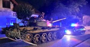 天兵男「喝太多」竟把「坦克開上街」 長官傻眼:我只是叫他移車!