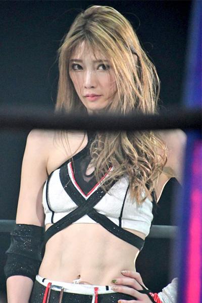 網瘋傳會讓人心動的「摔角界林志玲」 天使臉孔配「邪惡大長腿」讓網暴動:請摔我!