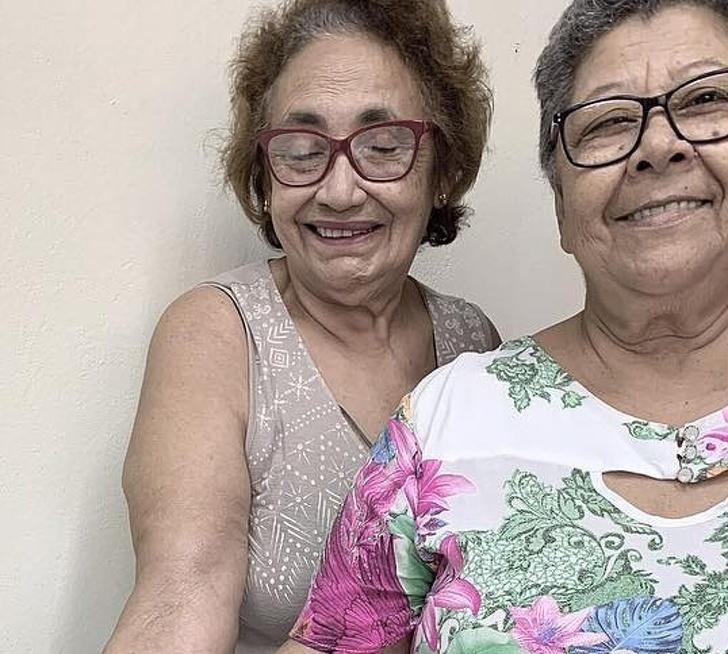 2位奶奶為了慶祝「30年閨密友誼」一起刺青 超Q小圖案卻有「超美好意義」!