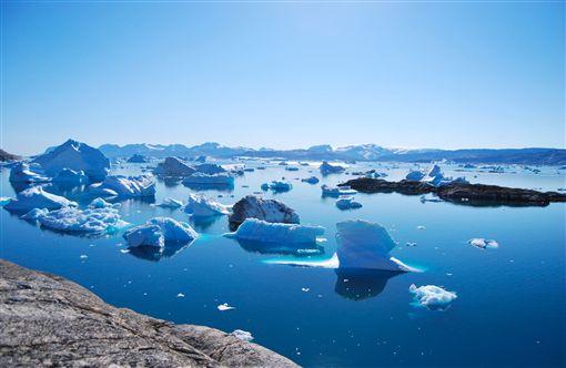 格陵蘭島「異常融冰」打破7年記錄 20億噸冰「1天內全部融光」專家嚇壞