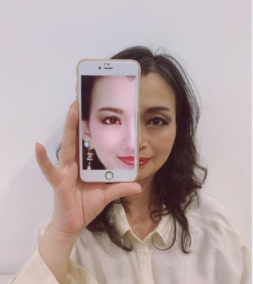 他曝光「清潔阿姨」的超強化妝術 憔悴臉色「秒變泫雅」震驚全網:不考慮轉行嗎?