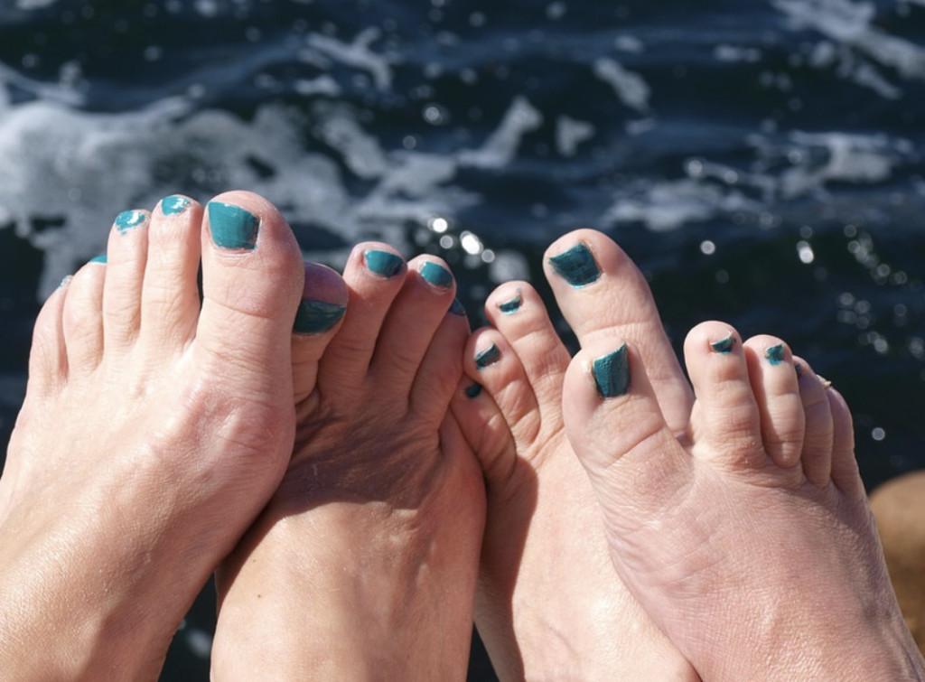 大部分的人「到老死都還沒學會」怎麼剪腳指甲?日本皮膚科專家:剪成圓形就慘了!