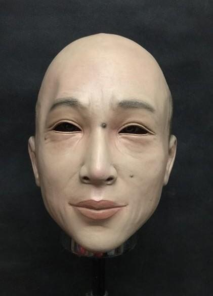 拍賣驚見能變身「韓國瑜2.0」的逼真人臉面具 網友笑翻:戴完發大財!
