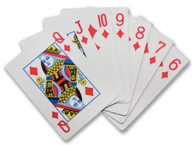 9個讓「左撇子跪著流淚」的超貼心設計 適合左手拿的撲克牌超棒!