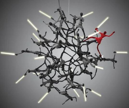 設計師打造《星際大戰》暗黑系家具系列 經典「光劍戰鬥」變吊燈...至少20人出席!