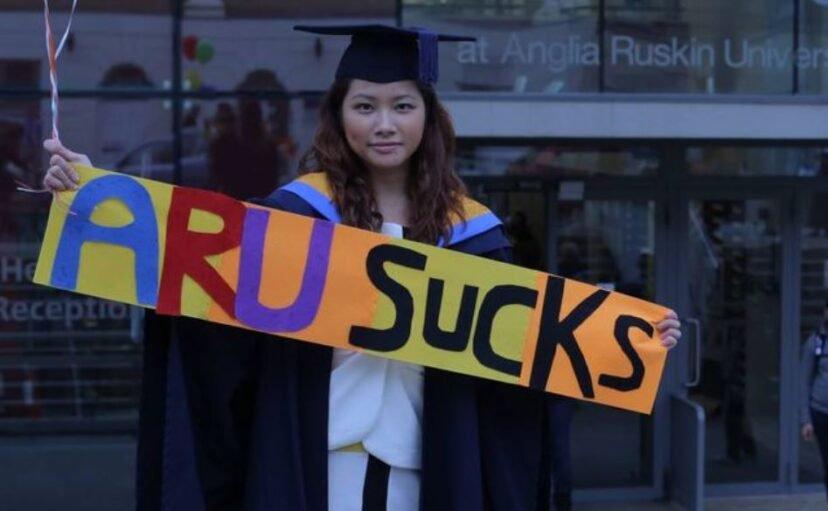 大學證書根本是一張廢紙!正妹怒指控「學不到知識」 最後大學給她200萬