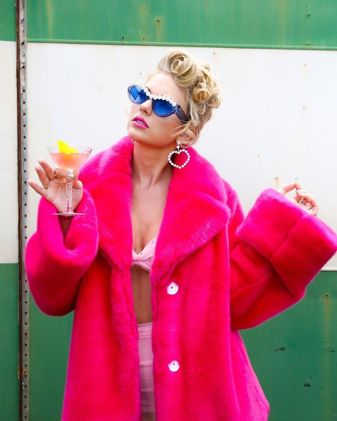 泰勒絲IG「粉絲破億」卻不願追蹤人?她說出「數字只能是0」的原因超貼心