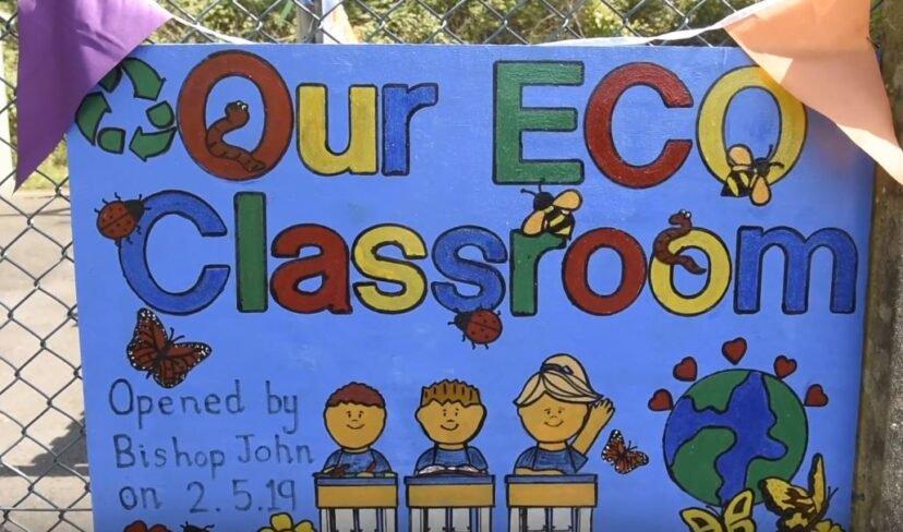 國小生用「3000個塑料瓶」打造環保教室 自製「生態磚塊」結果讓全網讚爆!