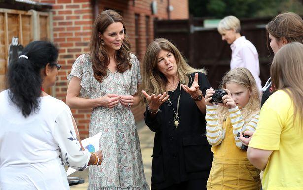 女王把擔任「67年的重責」交給凱特 網看完「工作内容」秒懂:她絕對比梅根更適合!