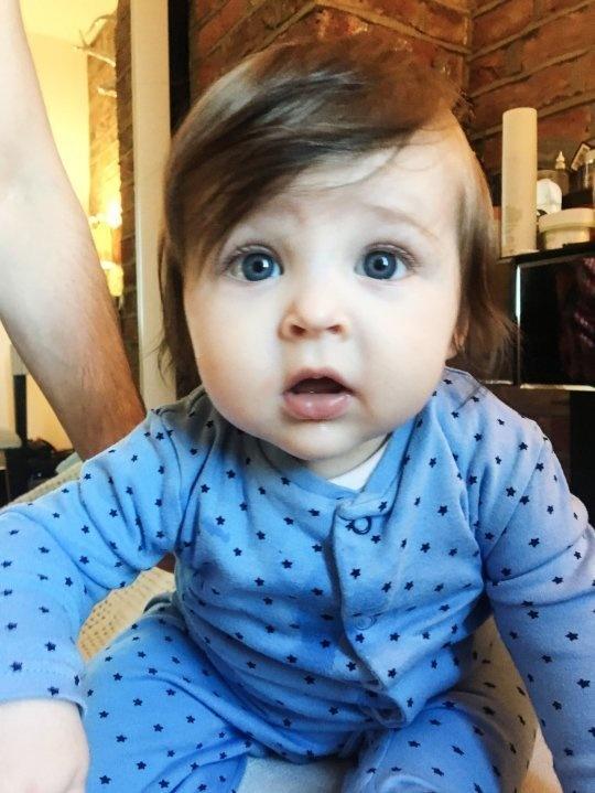 15張「髮量多到爸媽困擾」的多毛寶寶 才6週大已經有龐克頭!