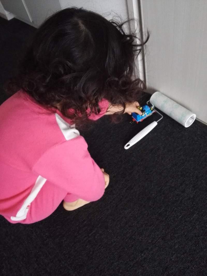 影/3歲神童「自製」掃地機器人 媽媽看到「超實用功能」大讚:沒想過會這樣