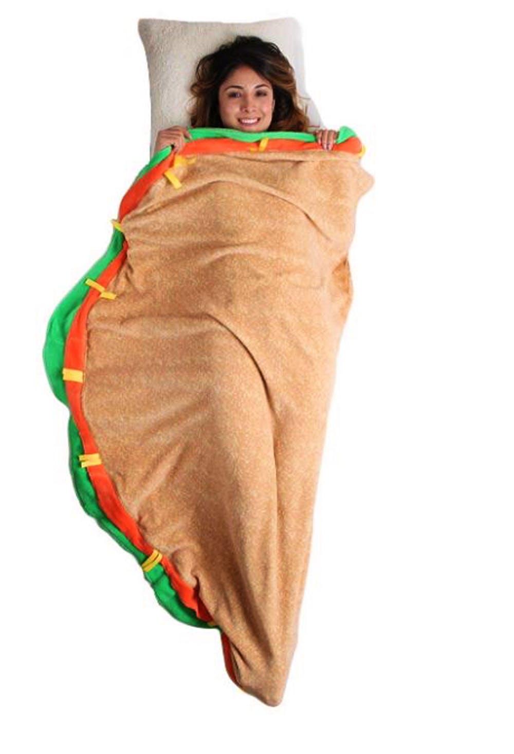 可以讓吃貨「在披薩裡爽爽睡」的耍廢睡袋新上市 冰淇淋款超夢幻!