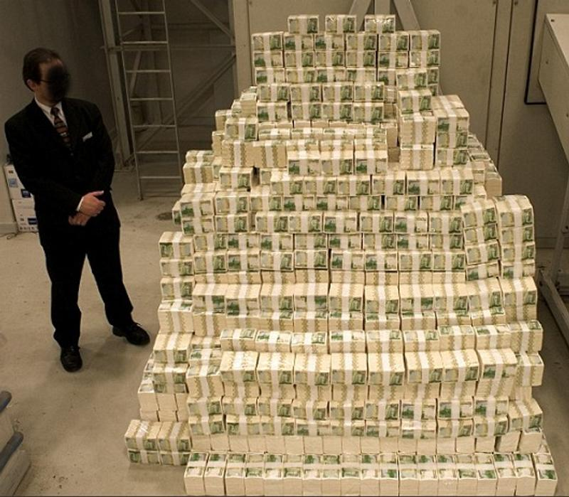 人生最強逆襲!大叔被裁員用「最後1000元」買樂透 竟「神中1.7億」他:大家都該中獎