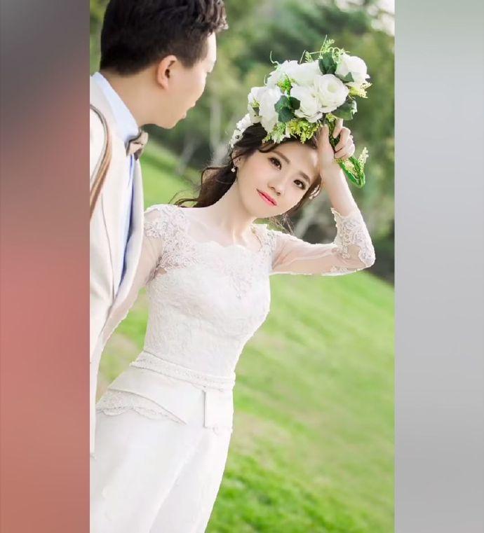 女大18變!當年的「醜小鴨同學」宣佈嫁人 婚紗照「女神級顏值」全班嚇呆:好後悔…