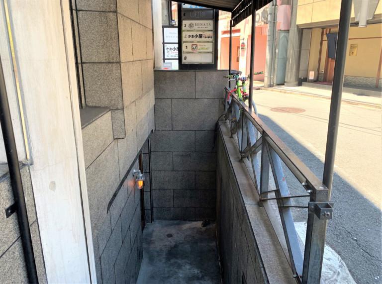 最隱密!這家拉麵店「沒店名」隱身超荒涼地下...卻被譽為「京都最猛美食」