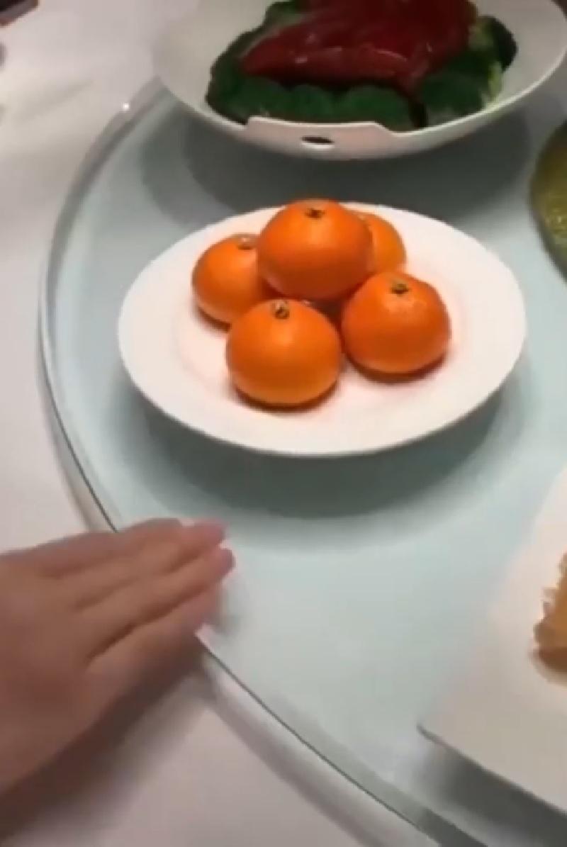 影/超猛師傅做出各種新鮮水果 下秒「用手撕開」這時才讓人驚覺...根本不是水果!