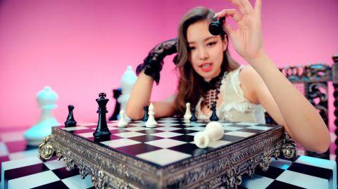 中國肯德基廣告「致敬BLACKPINK」?粉絲對比「神曲畫面」傻眼:完全複製貼上!